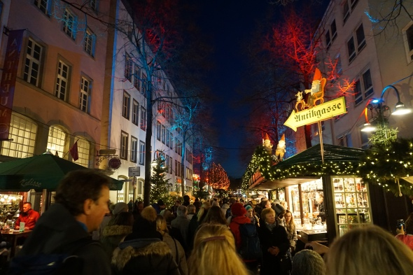 christmas market path